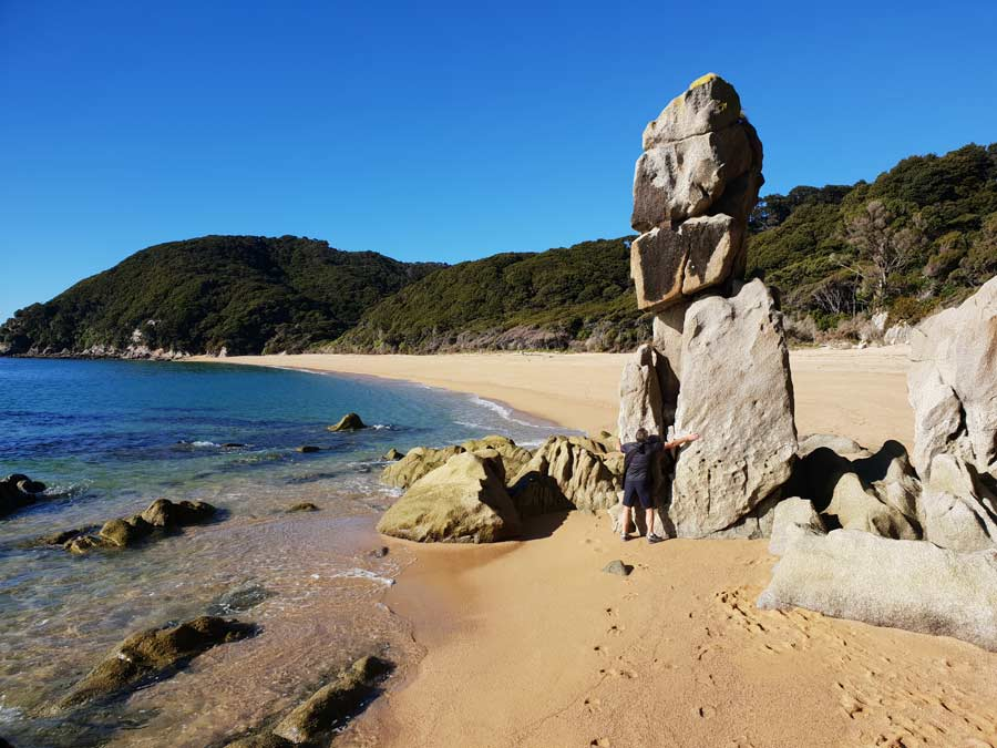 Enjoy the rock formation in the Abel Tasman